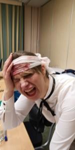 """""""Können Sie bitte mal pusten?"""" Mary (Dagmar Janssen) wurde auf der Jagd nach dem Erbe verletzt."""