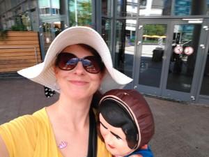 Nina Powers (Dagmar Janssen) begleitet euch mit viel Spaß durch die Tour!